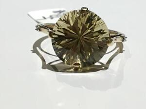 #3394 9K BEAUTIFUL NATURAL GREEN QUARTZ SOLITAIRE *SIZE 7* JUST BACK FROM APPRAISAL AT $1150.00 SELLING FOR $395.00!