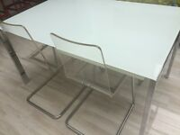 High Quality Extending Dining Table - Glass and Chrome - Comfortably seats 6 people, 8 when extended