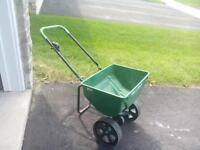 fertilizer spreader excellent condition