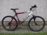 Trek 4300 bike 26 inch wheels 19.5 inch aluminium frame 24 gears front suspension
