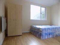 Furnished Studio Flat in Town Centre, Close to Train and University - Available Now