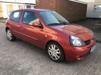 Renault Clio 1.4 Manual, Service History, One Former Keeper. Drives Excellently