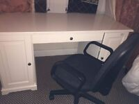 White good size desk in mint condition with an office chair (Ikea LIATORP White)