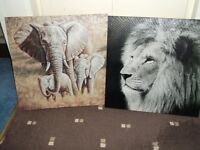2 GLITTER EFFECT ANIMAL WALL PLAQUES