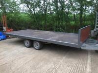 Flat body trailer