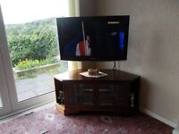 """Samsung TV 32"""",full working order,&stand,onWood effect corner cabinet,all in excellent condition."""