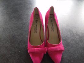 New unworn Bon Prix Hot Pink shoes size 5