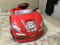 Very good condition children Kids 6v Battery Operated electric ride on car