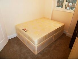 Only For One Person. Small double room for rent in Upminster- East London