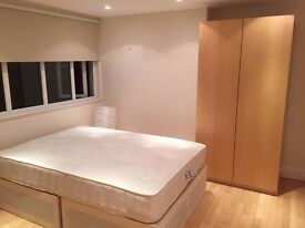 AMAZING DOUBLE ROOM TO RENT IN 3BEDROOM PROPERTY EALING AMAZING OFFER 175