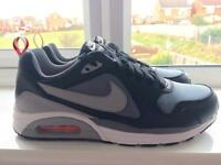 Genuine Size 9 Nike Air max trainers - brand new