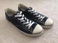 Men's black Lonsdale shoes size 9.5