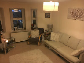 BEAUTIFUL ONE BED MODERN APARTMENT, FULLY FURNISHED WITH OFF ROAD PARKING IN HUNTS CROSS / WOOLTON !