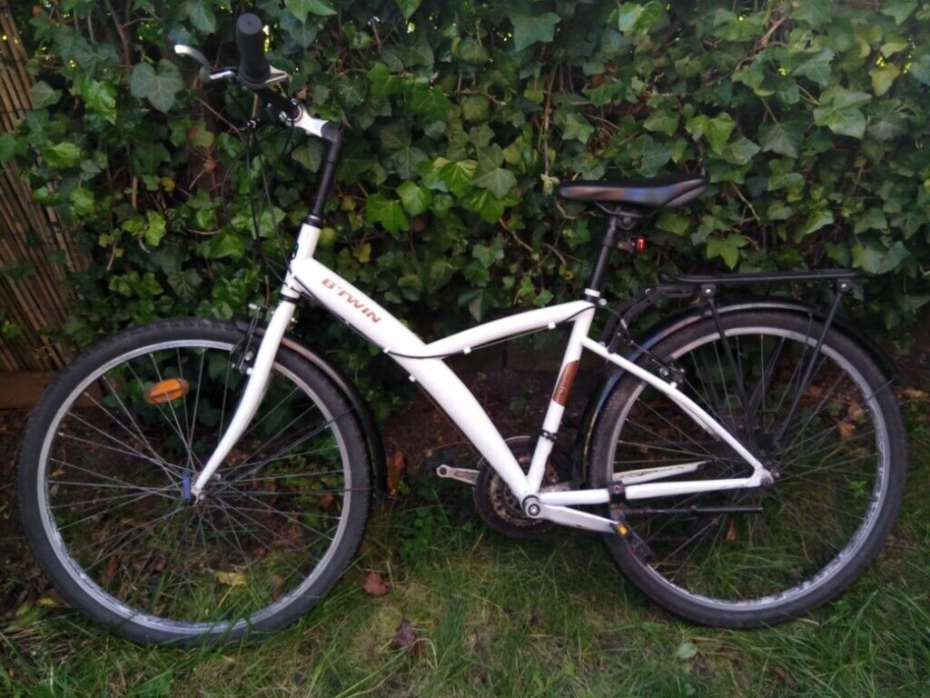 Hybrid bike BTWIN Original 300 - White - Size M - with Pannier Rack BTWIN  300 | in Beeston, Nottinghamshire | Gumtree