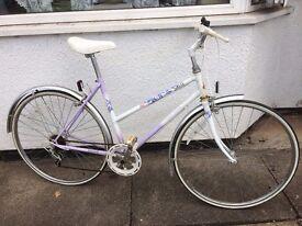 Classic Raleigh City Hybrid - Ideal Everyday Bike