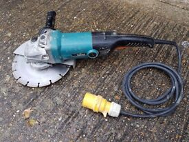 Makita 110v 9inch (230mm) Disc Grinder