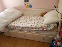 Day bed with 2 mattresses