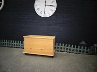 SOLID PINE BLANKET BOX VERY SOLID BOX IN EXCELLENT CONDITION 73/40/45 cm £40