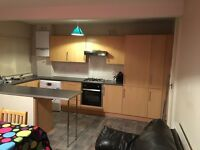 Large 3 Double bed House with separate lounge/off street parking/ Garden