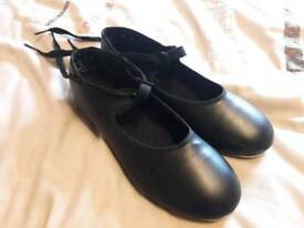 Capezio size 3 widefit Tap Shoes. Hardly used. VGC