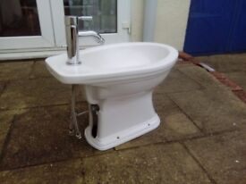 Hermitage Bidet with all fittings & tap like new