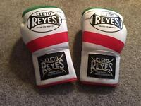 Cleto Reyes boxing gloves head guard groin guard