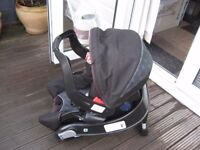 GRACO JUNIOR BABY CAR SEAT WITH ISOFIX BASE
