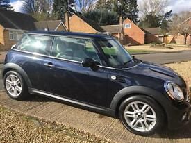 MINI Cooper 1.6 in reef navy blue and cream leather interior