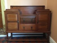 Beautiful antique solid wood dresser. Large dresser in great condition with tear drop handles.