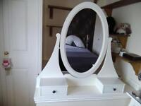 Hennessy dressing table mirror unit