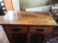 Thaket sideboard in good condition. Width 100cm / height 90cm / depth 50cm.