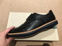 Clarks Shoes Size 8,5