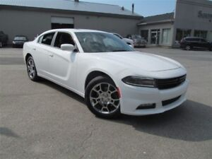 2016 Dodge Charger SXT AWD / Sunroof / heated seats