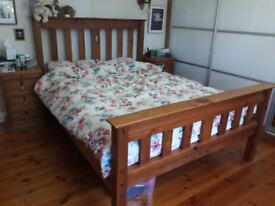 Recycled Pine Kingsize bed + 2 matching bedside cabinets