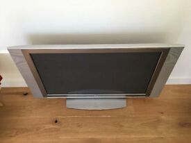 "42"" Sliver Aluminium metal Flat Screen Plasma TV complete with freeview free local delivery possible"