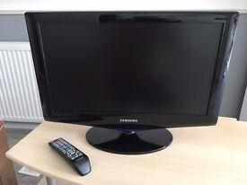 Samsung 22inch LCD TV, Black, good condition with remote & power cable