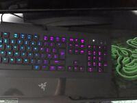 Razer Deathstalker Chroma keyboard + Razer Mousemat