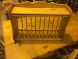 Pine plate rack