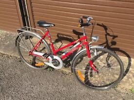 Crescent Ladies Bike. Beautiful condition, Serviced, Free Lock, Lights, Delivery