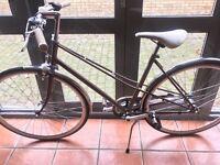 "Gazelle ""Dutch"" style ladies bicycle / bike with Kryptonite u-lock and cable"