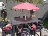 6 chairs cushions Umbrella & table