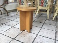 4 solid oak round coffee tables