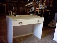 White dressing table with long horizontal mirror