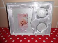BRAND NEW - BABY GIRLS PHOTO FRAME/1ST TOOTH/1ST CURL SET