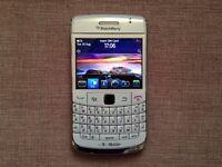 BlackBerry Bold 9780 White phone unlocked to any network