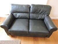 2 SEATER LEATHER SOFA/SETTEE IN GOOD CONDITION