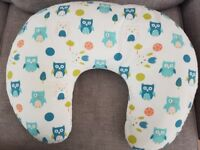 Dreamgenii Donut Breastfeeding Support Pillow