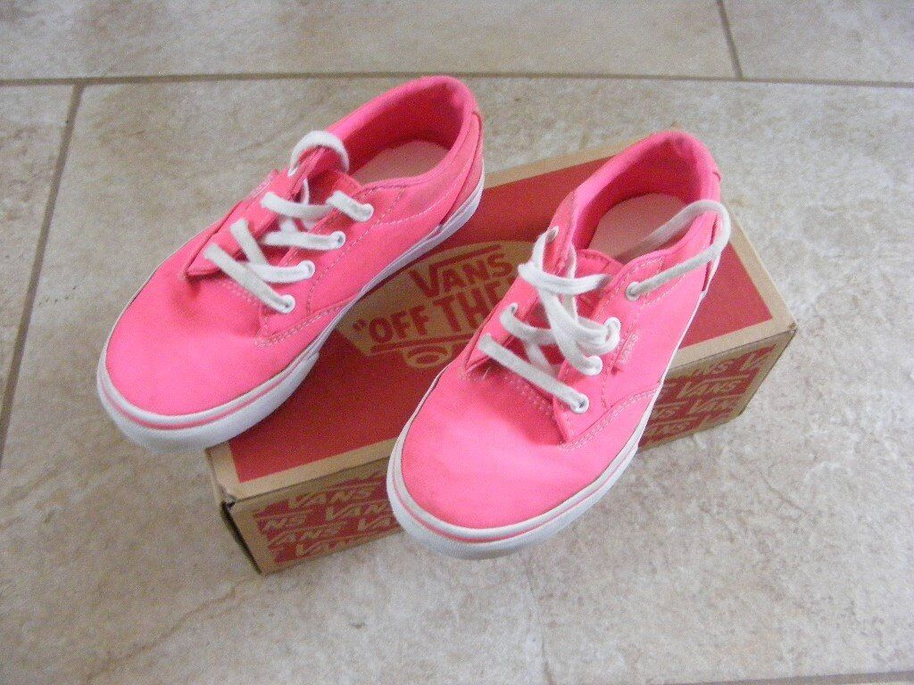 Kids Vans Off THe Wall Trainers size 13.