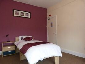 Rooms to rent from £60 per week at Market Street, Worksop
