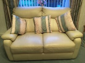 Cream Leather 3 x piece suite with two seater sofa, 2 x armchairs (one recliner) Good Condition
